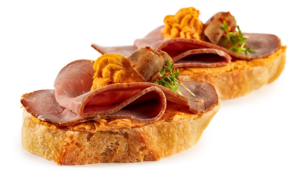 Champignon & Roast Beef Canapes